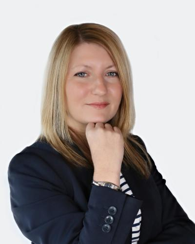 Julie Scott advice for calling outstanding invoices